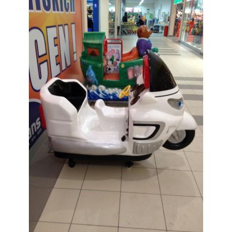 Biały motor